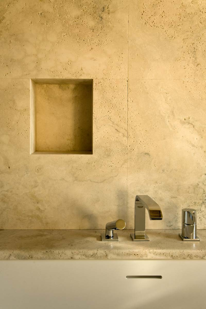 Natural stone bathrooms - Bagni in pietra naturale | Montalcino | Vaselli