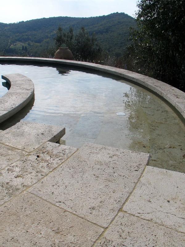 piscina-circolare-travertino-becagli-5