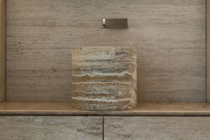 bespoke stone bathroom - bagno in pietra su misura | tailor made | Vaselli