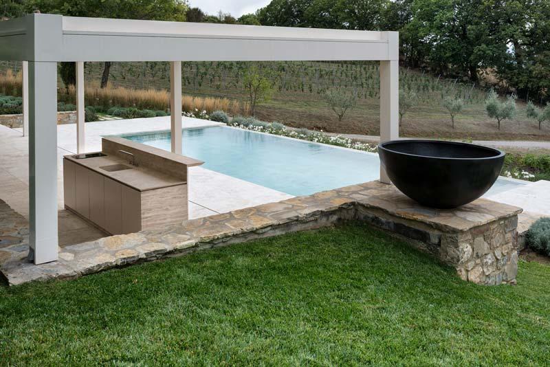 Cucina da esterno in pietra | Cucina su misura | Vaselli