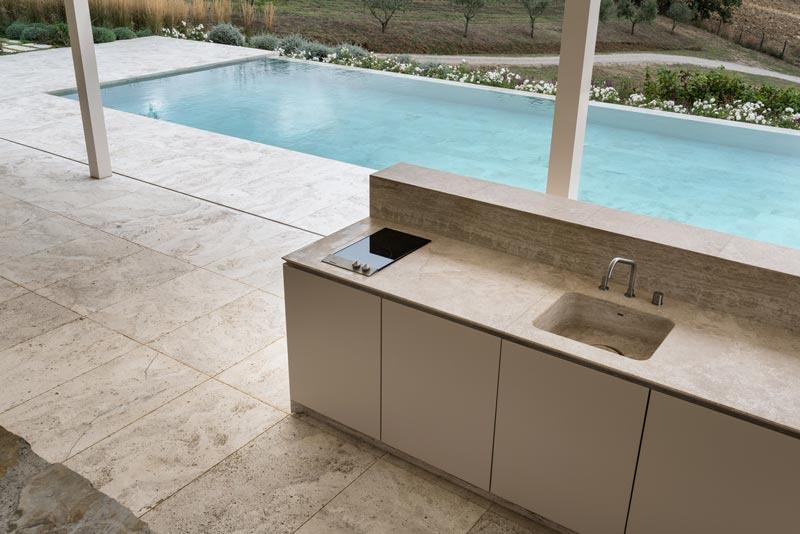 stone outdoor kitchen - cucina da esterno in pietra | tailor made - su misura | Vaselli