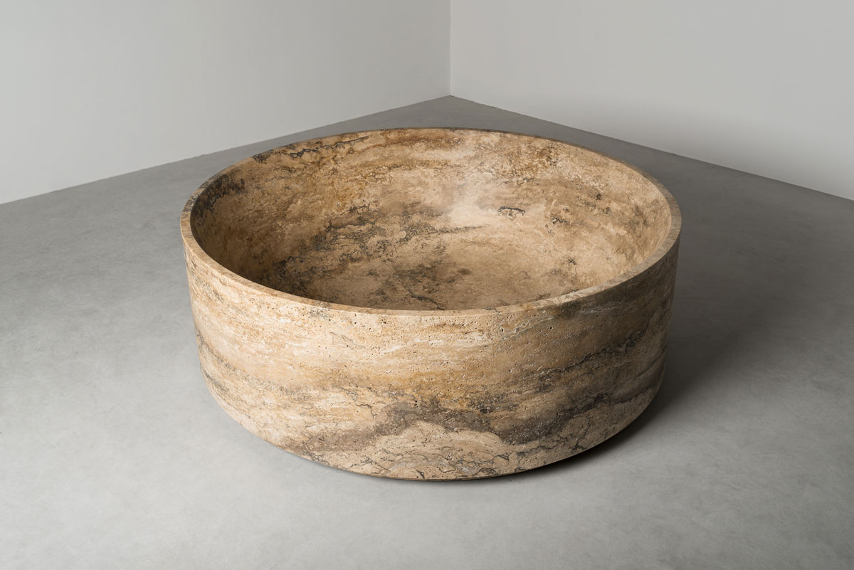 round stone bathtub - vasca tonda in pietra | Tortu World Netherlands - Olanda | Vaselli